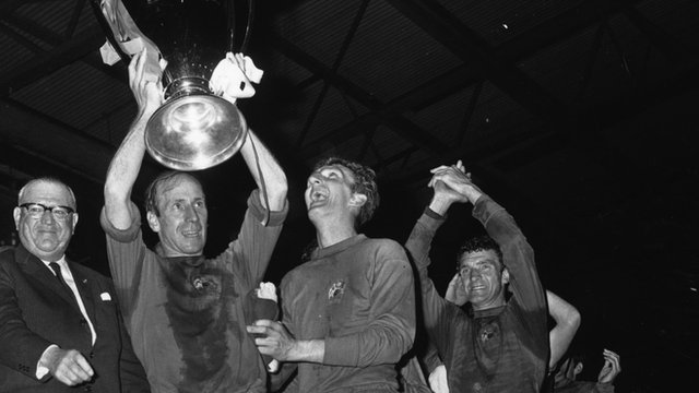 Bobby Charlton lifts the European Cup in 1968