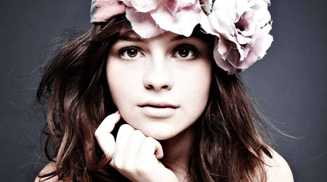 Singer-songwriter Gabrielle Aplin