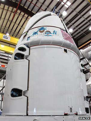 Dragon capsule in preparation