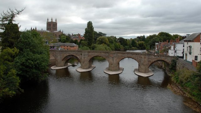 Hereford's Old Wye Bridge and Cathedral