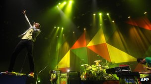 Keane on stage Perfect Symmetry tour