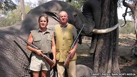 King Juan Carlos (R) on safari in 2006