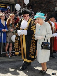 The Queen is greeted by the Lord Mayor of York, Councillor David Horton