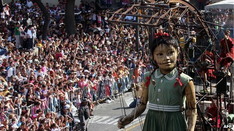 Girl giant in Guadalajara