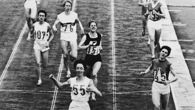 Britain's Anne Packer wins 800m at 1964 Tokyo Olympics