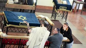 Jewish men in Nozyk Synagogue (Pic: Daniel Miernik)