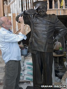 Graham Ibbeson working on Benny Hill statue