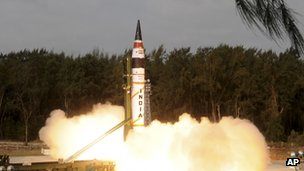 Indias Agni-V missile being launched from Wheeler Island off India&#039;s east coast
