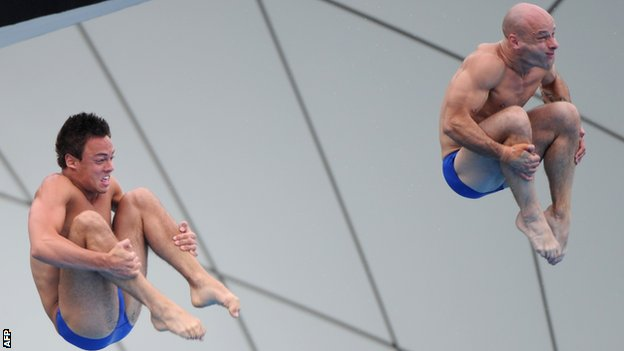 Tom Daley and Peter Waterfield in action
