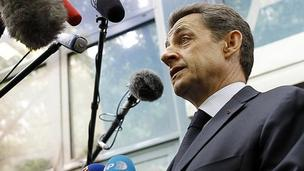 Nicolas Sarkozy speaks to media, 23 Apr 12