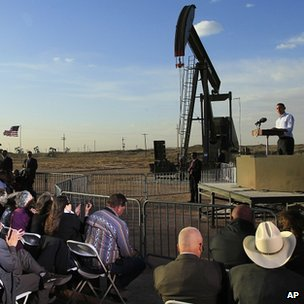 President Obama addressing crown near oil well