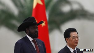 Salva Kiir (L) and Hu Jintao, Beijing 24 April 2012