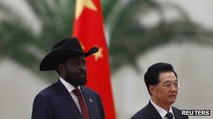 Salva Kiir (L) and Hu Jintao, Beijing 24 April 2012