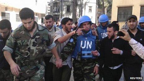UN monitors in Homs, Syria. Photo: April 2012