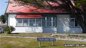 Thatcher Drive, Stanley