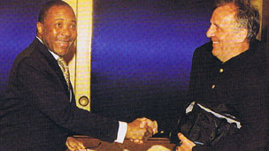 Charles Taylor (L) and Robin White (R) in 2000
