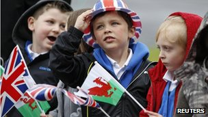 Children waiting for the Queen to arrive in Aberfan