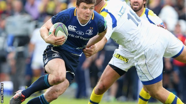 Brian O'Driscoll tries to weave his ay through the Clermont defence