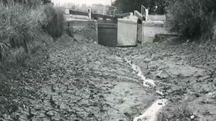 Foxton Lock without water in 1976
