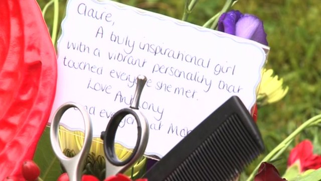 Message and bouquet with scissors