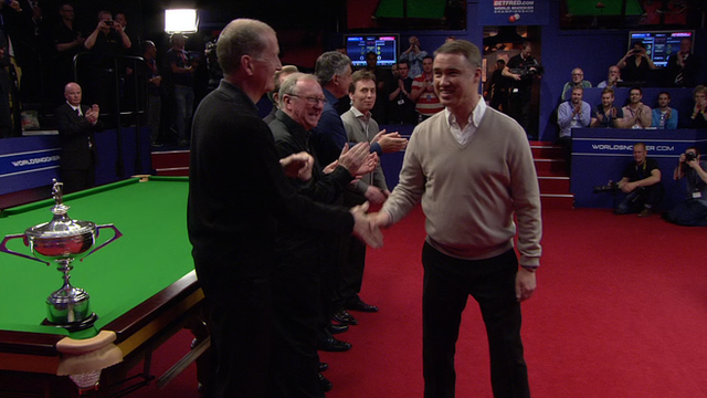 Stephen Hendry honoured at the Crucible in Sheffield