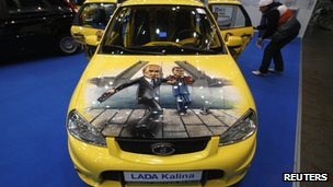 Lada Kalina with an image of Vladimir Putin on the bonnet