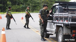 Brazilian troops at border patrol