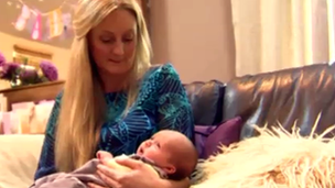 Sara Palmer and her baby daughter, Isabella