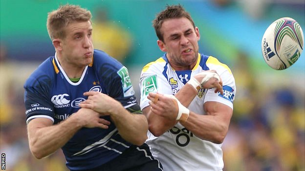 Luke Fitzgerald (left) battles with Lee Byrne in last weekend's Heineken Cup semi-final