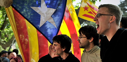 Pro Catalan independence protesters