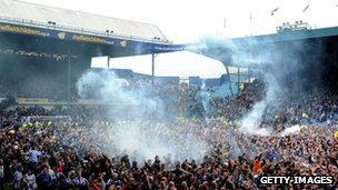 Pitch invasion at Hillsborough when the club was promoted