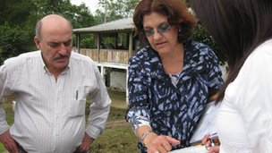 Tamara Estupinan shows map to Jorge Yarad