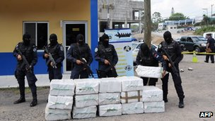 Police drug squad guard at least 400 kg of cocaine seized in La Mosquitia, in the Caribbean coast of Honduras, on 7 May 2012