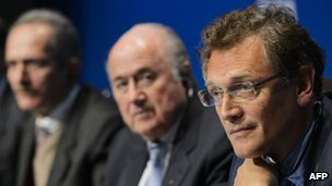 Fifa's Jerome Valcke (right) and Sepp Blatter with the Brazilian Sports Minister