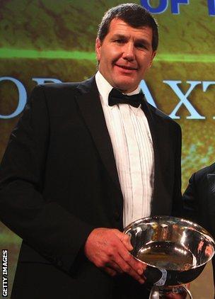 Rob Baxter gets his award