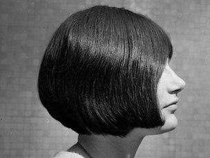 A model with a bobbed hair cut