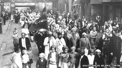Muslim procession in Butetown, Cardiff, circa 1920. Photo: