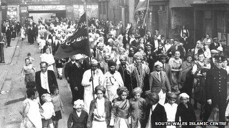 Muslim procession in Butetown, Cardiff, circa 1920. Photo: