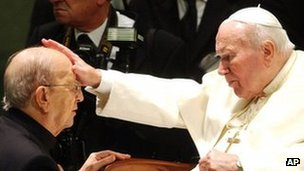 Pope John Paul II blesses Legion of Christ founder Marcial Maciel in 2004