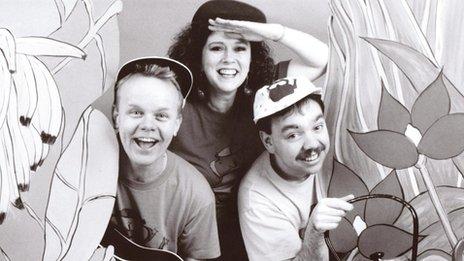 Singing Kettle, 1994