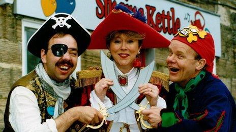 Singing Kettle, 1995