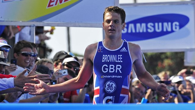 Jonny Brownlee wins World Triathlon