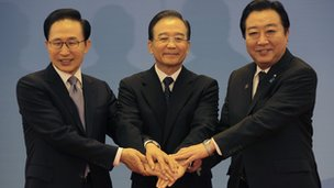 South Korean President Lee Myung-bak, China Premier Wen Jiabao and Japanese Prime Minister Yoshihiko Noda