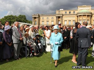 Queen attends a garden party