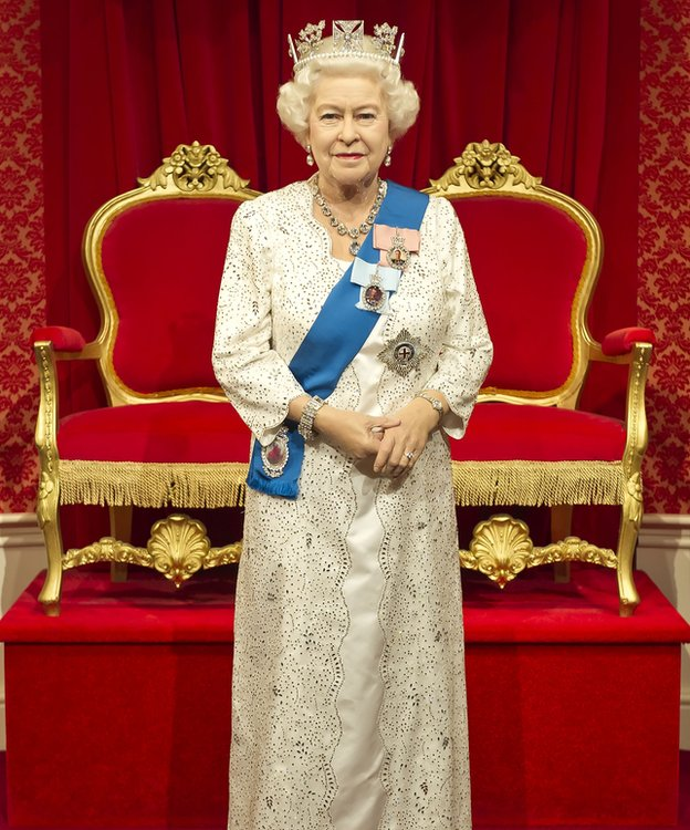 The new waxwork of the Queen