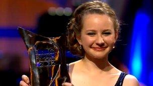 Laura van der Heijden with her trophy