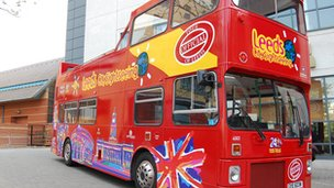 Leeds sightseeing bus