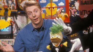 Andy Crane and Edd the Duck in 1990