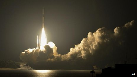 A H-2A rocket lifts off from the Japan Aerospace Exploration Agency&#039;s Tanegashima Space Centre on Tanegashima Island in Kagoshima Prefecture, southwestern Japan, 18 May, 2012