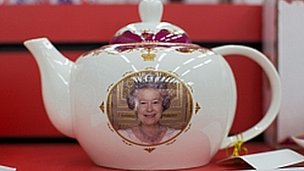 Queen on teapot